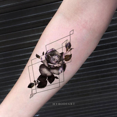 Trending Watercolor Black Rose Geometric Shape Forearm Tattoo Ideas for Women -  Ideas frescas del tatuaje del antebrazo de la flor para las mujeres - www.MyBodiArt.com