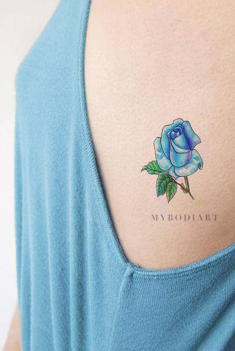Neo Linework Watercolor Blue Rose Rib Tattoo Ideas for Women - Unique Floral Flower Colorful Side Tat - ideas del tatuaje de la costilla del rosa azul de la acuarela para las mujeres - www.MyBodiArt.com #tattoos