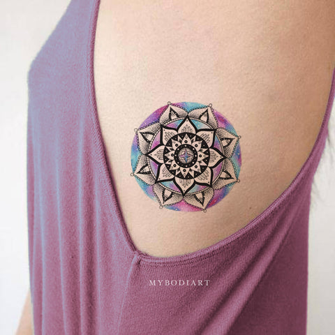 Cute Unique Watercolor Black Mandala Rib Tattoo Ideas for Women -  ideas de tatuajes de costilla de mandala para mujeres - www.MyBodiArt.com #tattoos