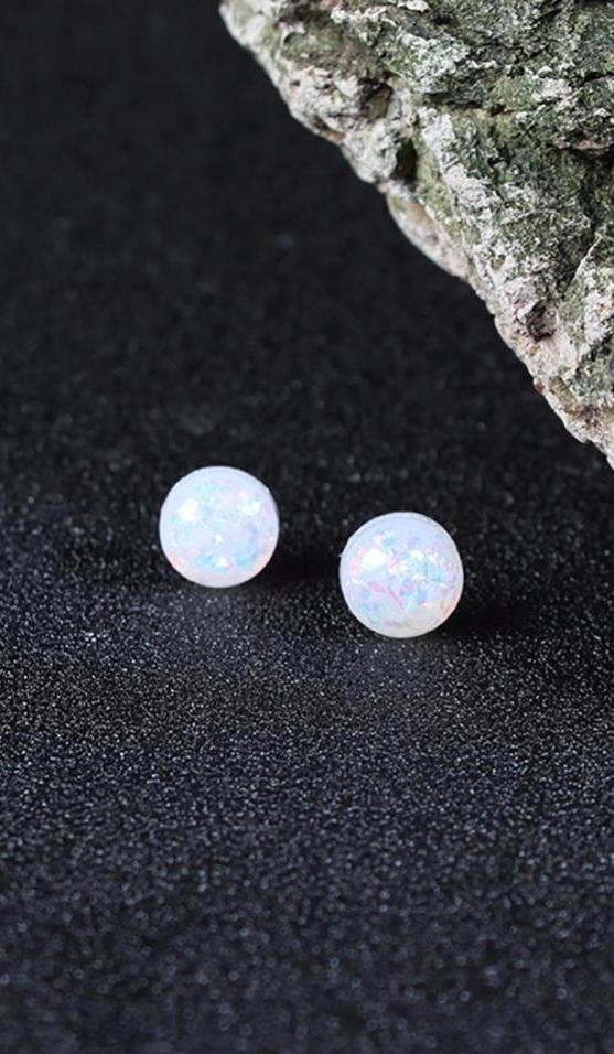 Cute Multiple Ear Piercing Ideas for Teens - Double Opal Earring Lobe Studs Jewelry - lindas ideas para perforar múltiples orejas para adolescentes - www.MyBodiArt.com - #earrings