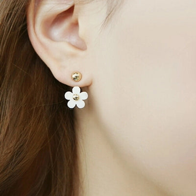 Cute Ear Piercing Ideas for Teens - Floral Flower Daisy Ear Jacket Earring - lindas ideas para perforar múltiples orejas - www.MyBodiArt.com #earrings