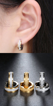 Cool Ear Piercing Ideas for Teens - Small Glitter Sparkly Huggie Hoop Earrings in Gold or Silver - ideas frescas para perforar orejas - www.MyBodiArt.com