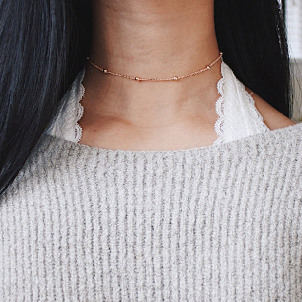 Cute Simple Dainty Choker Necklace Minimalist Chain Necklaces in Silver or Gold - collar de gargantilla de cadena mínima - www.MyBodiArt.com #earrings