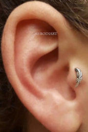 Cute Tragus Leaf Ear Piercing Ideas for Women -  lindas ideas para perforar orejas para mujeres - www.MyBodiArt.com