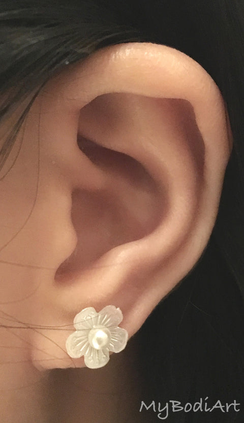 Cute Ear Piercing Ideas - Feminine Cartilage Earring Studs - Single Lobe Jewelry - Helix Pearl Flower Jewellery - ideas para perforar orejas at MyBodiArt.com