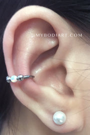 Classy Feminine Popular Ear Piercing Ideas for Teenagers -  piercings de oreja - www.MyBodiArt.com