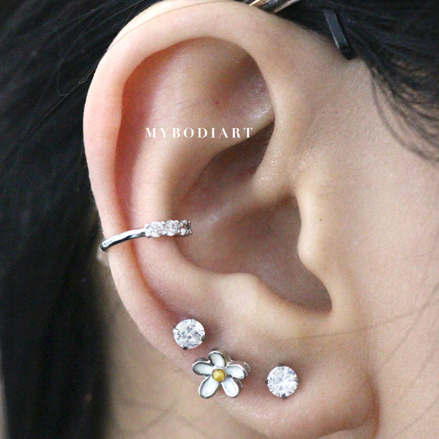 Cute Conch Crystal Ear Piercing Jewelry Ideas for Women Daisy 16G Earrings -  lindas ideas para perforar orejas para mujeres - www.MyBodiArt.com