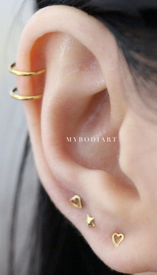 Simple Multiple Ear Piercing Ideas - Minimalistic Double Wire Cartilage Cuff Earring - ideas minimalistas para perforar las orejas - www.MyBodiArt.com #earrings