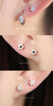 Cute Multiple Crystal Flower Ear Piercing Jewelry Ideas for Women -  lindas ideas de joyería de piercing de oreja - www.MyBodiArt.com