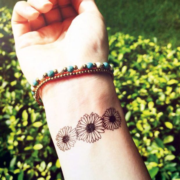 Triple Black and White Sunflower Wrist Temporary Tattoo Ideas for Women -  Ideas de tatuaje de muñeca de flor - MyBodiArt