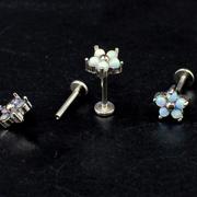 Cute Opal Flower Ear Piercing Jewelry Ideas for Cartilage, Helix, Tragus, Conch, Labret -  joyería de piercing de oreja de flor de ópalo - www.MyBodiArt.com #earrings
