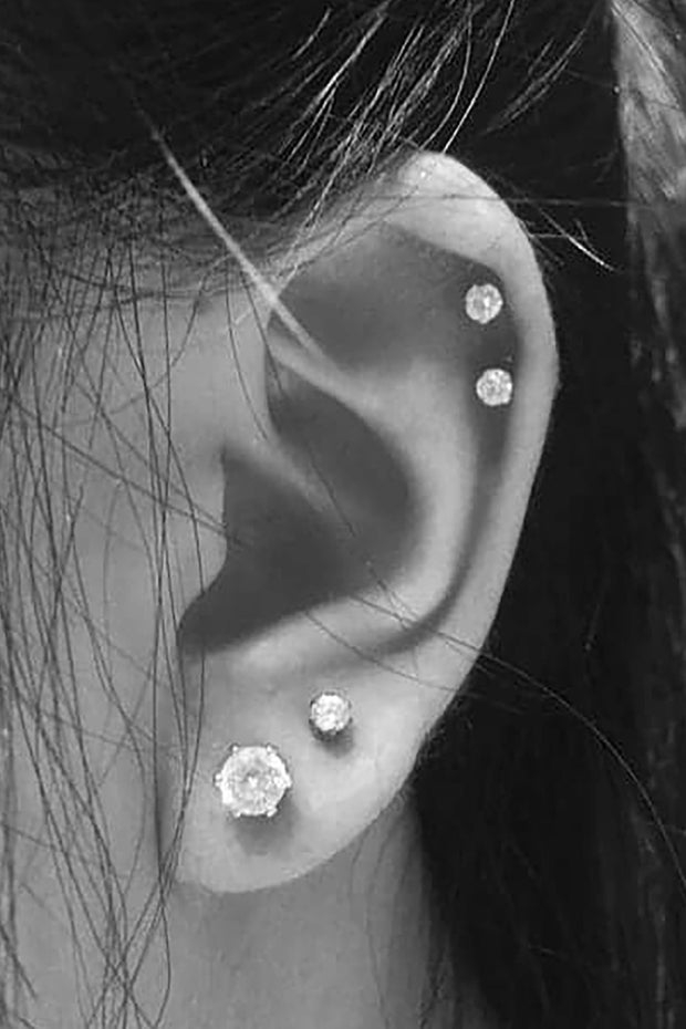 Cute Multiple Double Cartilage Helix Ear Piercing Jewelry Ideas for Women -  lindas ideas para perforar orejas - www.MyBodiArt.com #earrings # piercings