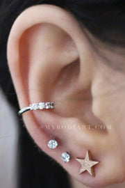 Cute Ear Piercing Jewelry Ideas for Women -  ideas de joyería piercing de oreja para mujeres - www.MyBodiArt.com #piercings #earrings
