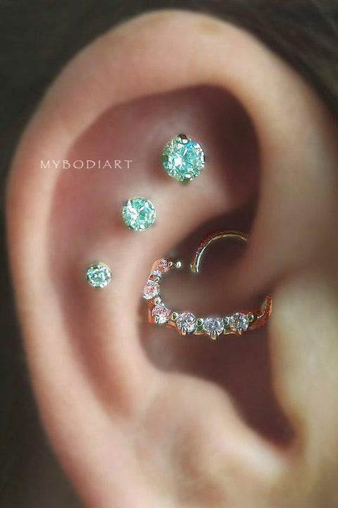 Cute Cartilage Ear Piercing Ideas for Women -  Swarovski Crystal Stud Earring Jewelry 16G - lindas ideas para perforar orejas para mujeres - www.MyBodiArt.com