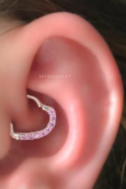 Crystal Heart Daith Ear Piercing Ideas Jewelry Earring for Women -  ideas de perforación del oído del corazón del paseo - www.MyBodiArt.com