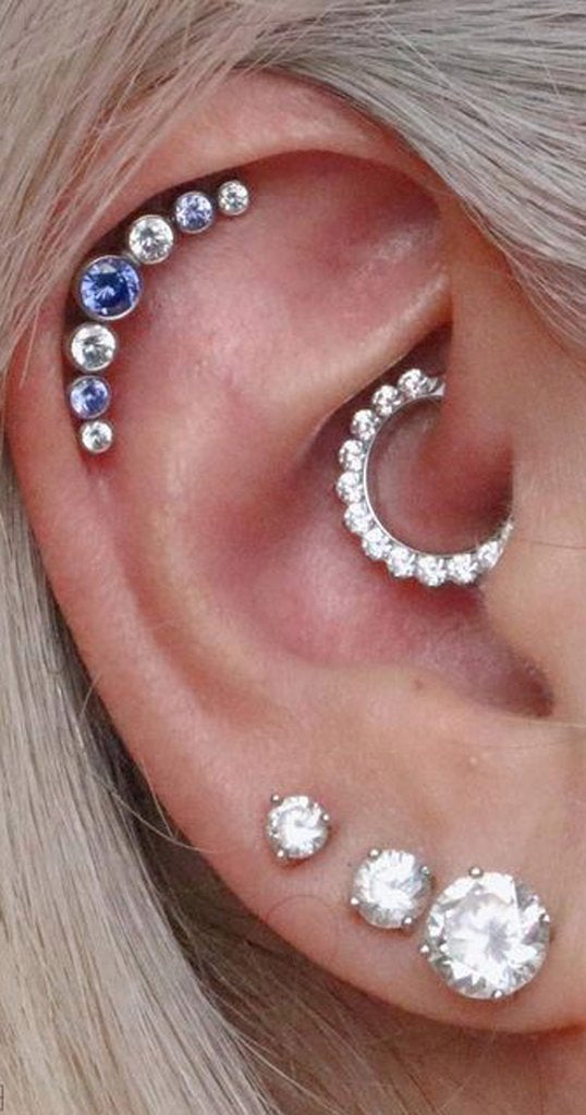 Cute Multiple Ear Piercing Ideas Triple Swarovski Crystal Lobe Earring Studs Jewelry 16G for Women -  lindo piercing de cartílago ideas para mujeres - www.MyBodiArt.com