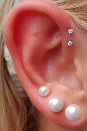 Cute Multiple Ear Piercing Ideas for Women Double Crystal Forward Helix Earring Stud -  lindas ideas para perforar orejas - www.MyBodiArt.com