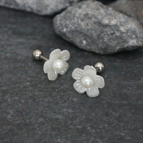 Daffy Pearl Flower Ear Piercing Studs 16G