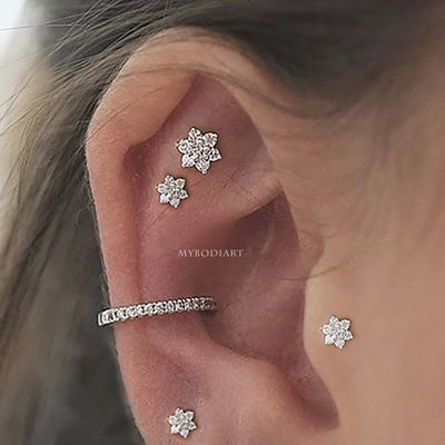 pretty multiple ear piercing ideas - double flower cartilage helix earring stud -  ideas de perforación del oído - www.MyBodiArt.com