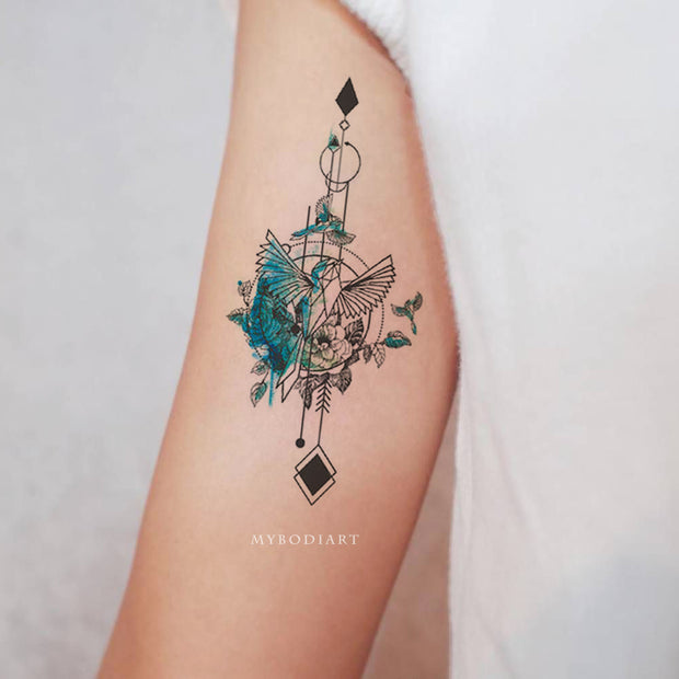 Beautiful Watercolor Hummingbird Arm Bicep Tattoo Ideas for Women -  ideas del tatuaje del brazo del colibrí - www.MyBodiArt.com #tattoos