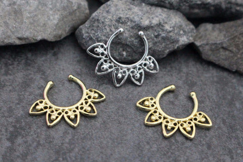Fake Septum Piercing in Gold or Silver