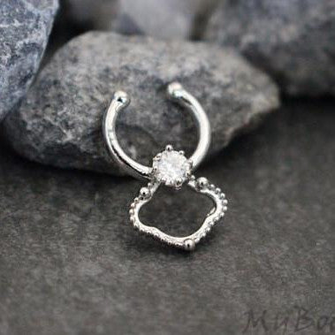 Princess Crystal Fake Septum Ring in Silver w/ Clear Crystals