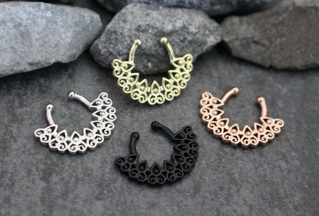Afghan Fan Fake Septum Ring, Tribal Faux Septum Ring, Brass Septum Clip On, Fake Piercing, Fake Nose Ring, Faux Piercing, Non Piercing