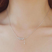 Cute Dainty Simple Crystal Leaf Silver Chain Necklace Choker Fashion Jewelry for Women -  lindo collar - www.MyBodiArt.com #necklaces