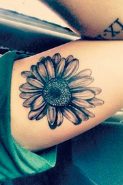 Unique Watercolor Sunflower Bicep Temporary Tattoo Ideas for Women -  Ideas lindas del tatuaje del brazo del girasol - www.MyBodiArt.com
