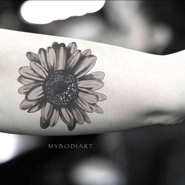 Popular Black Sunflower Temporary Bicep Arm Tattoo Ideas for Women -  Ideas lindas del tatuaje del brazo del girasol para mujeres - www.MyBodiArt.com