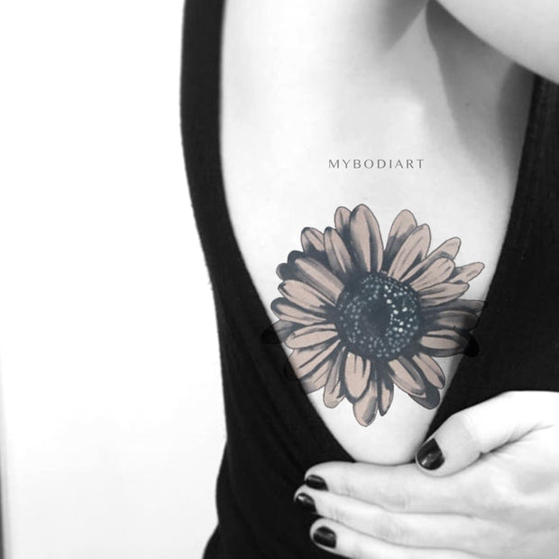 Cute Watercolor Vintage Sunflower Side Rib Tattoo Ideas for Women -   Ideas lindas del tatuaje de la costilla para las mujeres - www.MyBodiArt.com