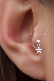 Cute Small Simple Tragus Ear Piercing Jewelry Ideas for Women Crystal Flower Dangle Silver Stud 16G - Linda tragus oído piercing ideas para mujeres - www.MyBodiArt.com