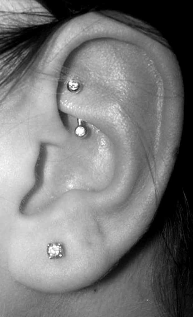 Cute Rook Multiple Ear Piercing Ideas Crystal Curved Barbell 16G -  lindas ideas para perforar múltiples orejas - www.MyBodiArt.com