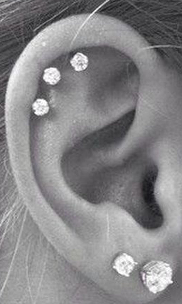Cute and Simple Multiple Cartilage Ear Piercing Ideas - Large Crystal Earring Studs - lindas ideas múltiples de perforación del oído para las mujereswww.MyBodiArt.com