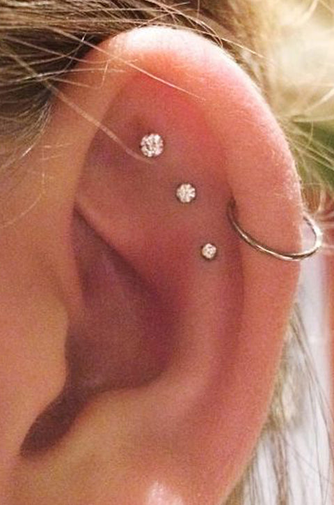 Cute Triple Constellation Cartilage Helix Ear Piercing Ideas for Women  - Crystal Earring Studs Fashion Jewelry -  lindo piercing de cartílago ideas para mujeres - www.MyBodiArt.com