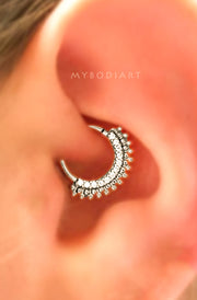 Cute Simple Daith Ear Piercing Jewelry Ideas for Women -  Linda oreja perforadora joyas ideas para mujeres - www.MyBodiArt.com
