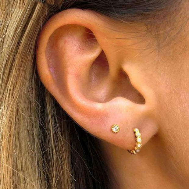 Cute Crystal Gold Ring Hoop Multiple Cartilage Helix Conch Ear Piercing Jewelry Ideas -  ideas de joyería piercing en la oreja - www.MyBodiArt.com