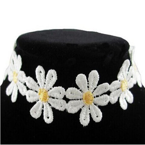 Joan Embroidered Daisy Choker Necklace