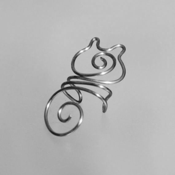 Viktoria Wired Ear Cuff Earring