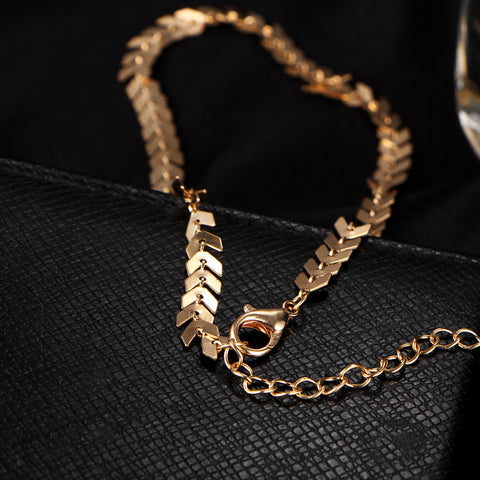 Sirene Minimal Sequin Curb Chain Necklace Choker - MyBodiArt.com