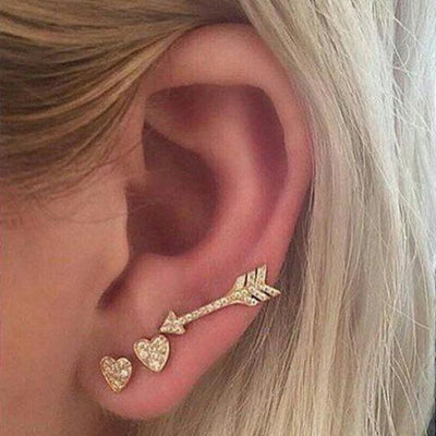Cute Ear Piercing Ideas for Teenagers in Gold - Heart Arrow Ear Climber Earring Set -  lindas ideas para perforar orejas para niñas chicas - www.MyBodiArt.com