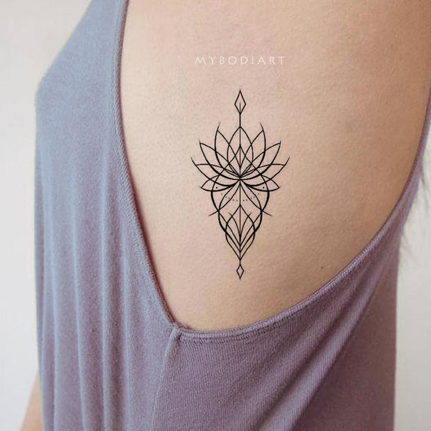 Popular Boho Tribal Lotus Linework Mandala Rib Tattoo Ideas for Women -  Ideas de tatuajes de costilla de loto para mujeres - www.MyBodiArt.com