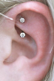 Simple Ear Piercing Ideas Minimalist Crystal Rook Earring Jewelry -  ideas simples de piercing de la torre - www.MyBodiArt.com