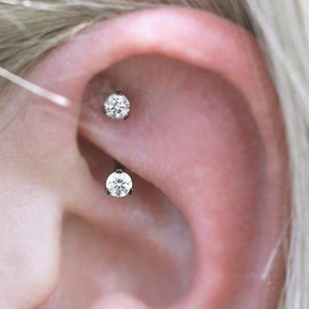 Cute Simple Crystal Rook Ear Jewelry Piercing Ideas for Women 16G -  ideas de joyería piercing del oído - www.MyBodiArt.com
