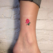Cute Small Watercolor Rose Ankle Tattoo Ideas for Women -  ideas de tatuaje de tobillo rosa roja para mujeres - www.MyBodiArt.com #tattoos