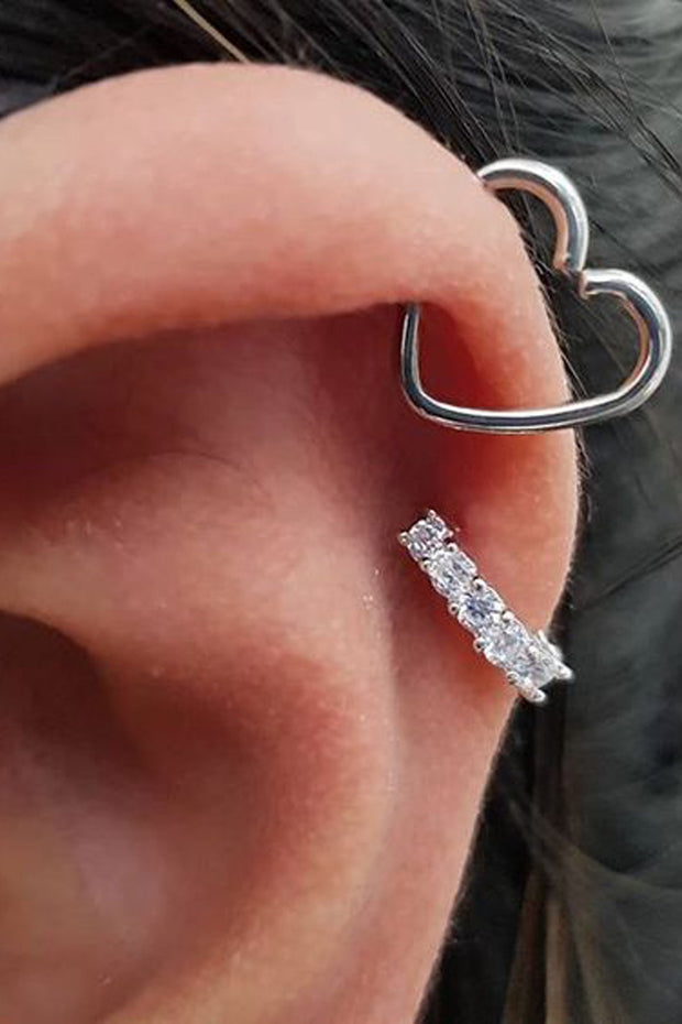 Cute Heart Cartilage Ear Piercing Ideas for Women Pretty Feminine Helix Heart Wired Jewelry -  lindo piercing cartílago corazón ideas - www.MyBodiArt.com
