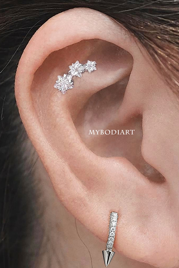 Cute Triple Star Crystal Cartilage Helix Ear Piercing Jewelry Ideas for Women -  ideas de piercing de oreja de estrella - www.MyBodiArt.com