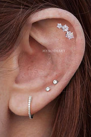 Cute Triple Star Cartilage Helix Ear Piercing Jewelry Earring Stud -  ideas de joyería piercing en la oreja - www.MyBodiArt.com