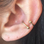 Cute Simple Gold Spiral Conch Ear Piercing Ideas for Women -   Ideas simples para perforar el oído de las mujeres - www.MyBodiArt.com