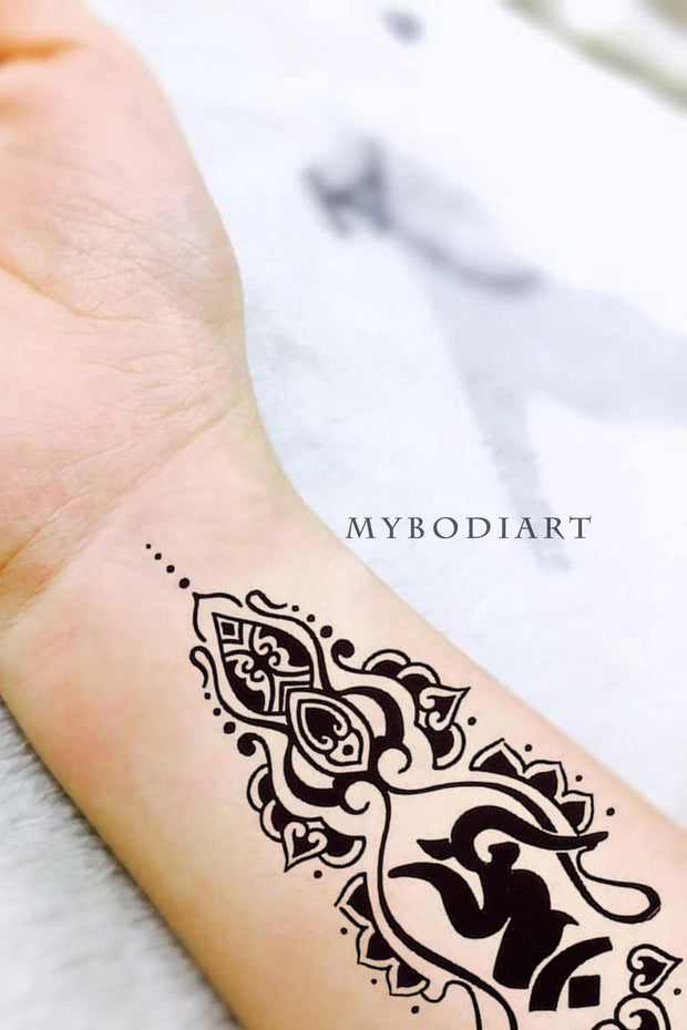 Unique Tribal Unalome Lotus Mandala Wrist Tattoo Ideas for Women -  ideas de tatuajes de muñeca de loto para mujeres - www.MyBodiArt.com #tattoos
